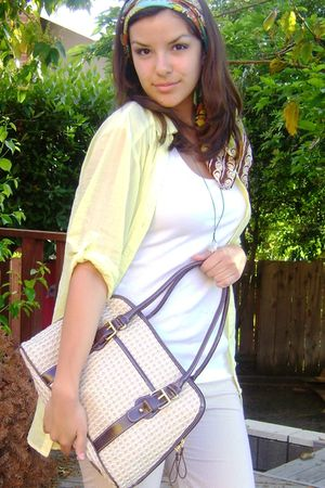 yellow H&M top - beige purse