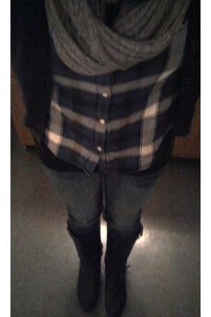 dark gray side buckle Mossimo boots - blue super skinny hollister jeans