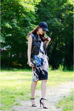 KarenKane dress - TeaCupCastle bag