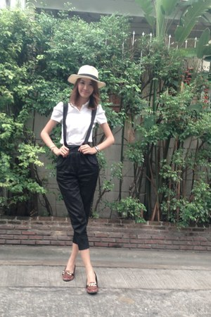 white ESP shirt - black bib Fashion pants