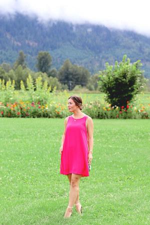 hot pink Barefoot Contessa dress