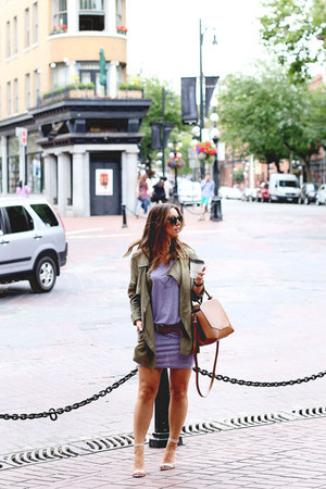 light purple t-shirt bench dress - olive green military Gentle Fawn jacket