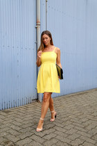 light yellow sundress Loft dress - navy clutch vintage bag
