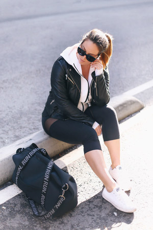 black leather jacket Aritzia jacket - white sneakers Converse sneakers