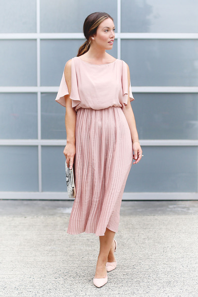 Light-pink-pleated-h-m-dress-light-pink-suede-jcrew-heels