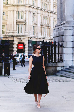 black feminine ted baker dress