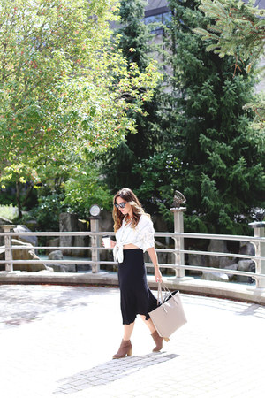 white button down Urban Outfitters shirt - black midi Urban Outfitters skirt