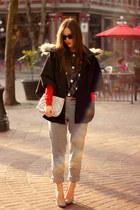 black Persol sunglasses - navy fur-trimmed Loft 82 cape