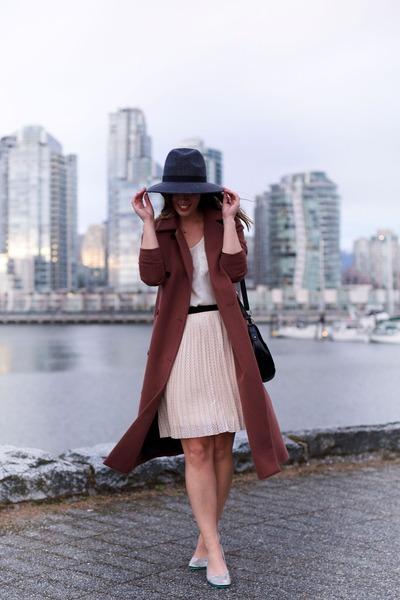 light pink pleated skirt Joe Fresh skirt - maroon Obakki coat