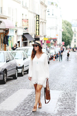 white Gentle Fawn dress - camel Aritzia hat