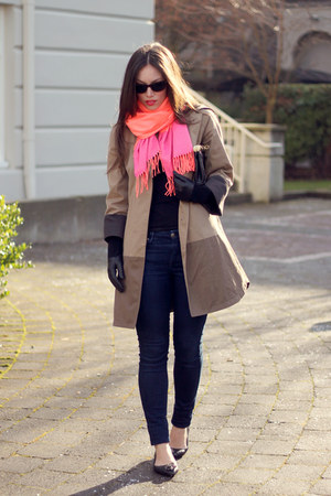 salmon color blocked Gap scarf - camel Club Monaco coat