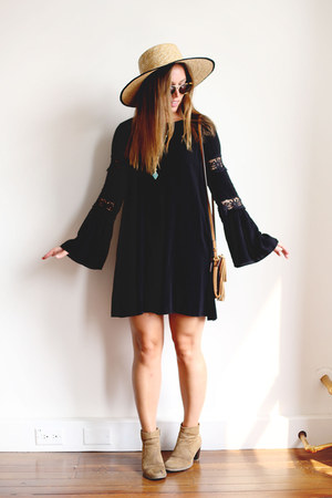 black bohemian Barefoot Contessa dress