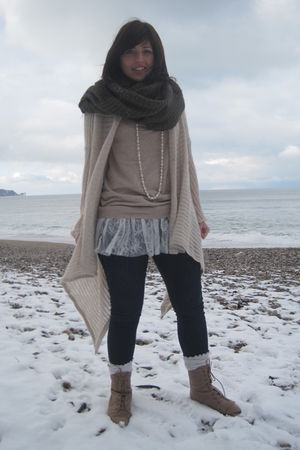 brown H&M scarf - beige Topshop sweater - Topshop jeans - beige Topshop boots