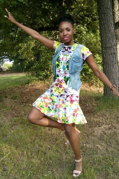 blue vintage vest - chartreuse Target dress - bubble gum Vince Camuto wedges