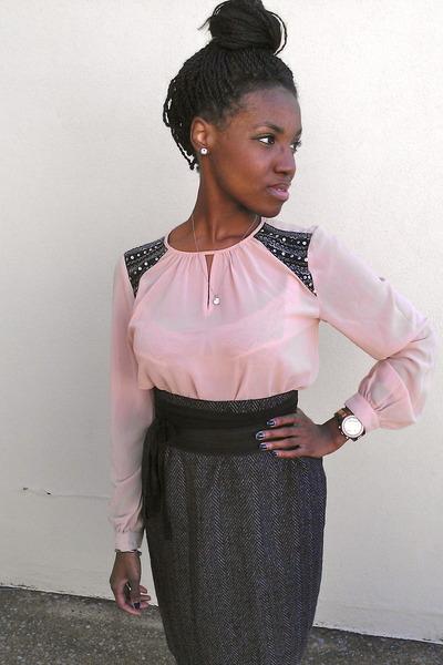 light pink Forever 21 blouse - gray vintage skirt - black Carlos Santana wedges