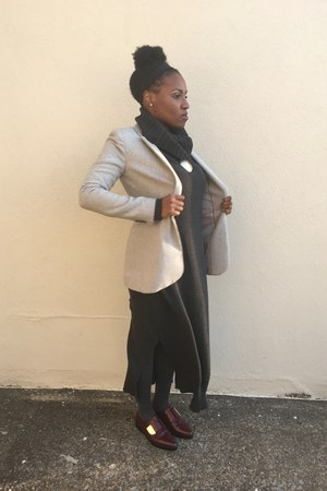 charcoal gray H&M dress - heather gray banana republic blazer