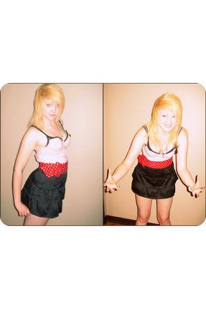 red belt - black skirt - pink shirt