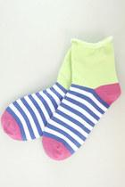 Lime-green-tprbt-socks