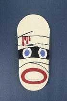 Ivory-tprbt-socks