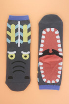Gray-yawning-dragon-tprbt-socks