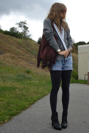 vintage shorts - American Apaprel sweater - Jessica Simpson shoes - Lucky Brand