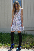 vintage dress - forever 21 tights - Nine West shoes - vintage sunglasses