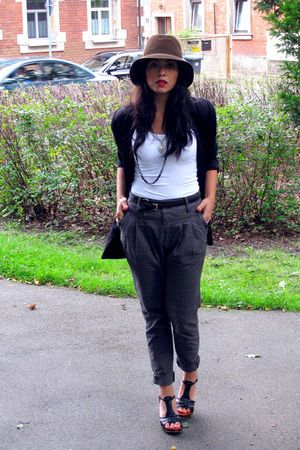 brown vintage market hat - white Only top - black H&M blazer - gray Bershkas pan