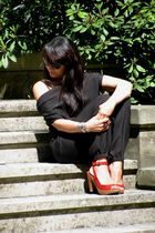 black Ichi pants - black Promod sunglasses - red Zara shoes