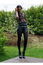 brown leopard lindex shirt - gray sheer Vila tights - black leather Bik Bok shor