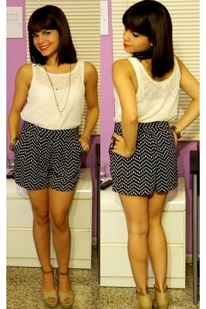 Forever 21 shorts - Forever 21 top - VeriGaona accessories