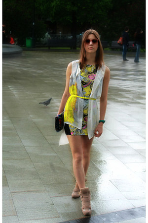 River Island dress - H&M shirt - River Island bag - Moss sneakers