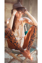 Triangles Pattern Print Tights Orange & Black