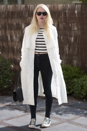 black ripped asos jeans - white H&M coat - black chain Nelly bag