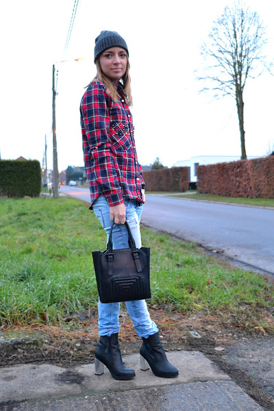 Choies blouse - Urban Outfitters boots - Zara jeans - Cheap Monday hat