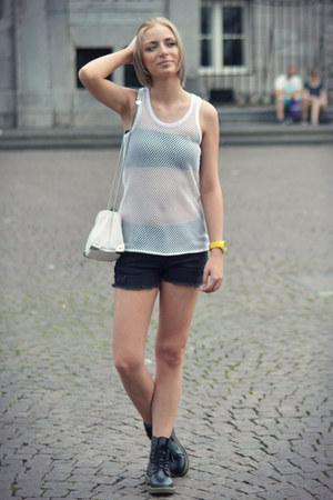 H&M top - Ebay boots - Zara bag - Mango shorts