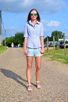 JBC shirt - H&M shorts - Ray Ban sunglasses - Zara sandals