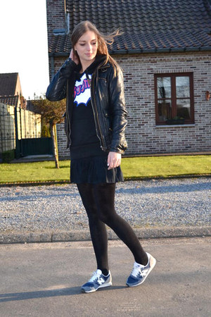 Zara jacket - Mexx skirt - New Balance sneakers