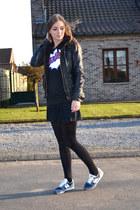 Zara jacket - Mexx skirt - New Balance sneakers