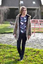Zara coat - Dr Martens boots - Zara jeans - Mr Gugu sweatshirt