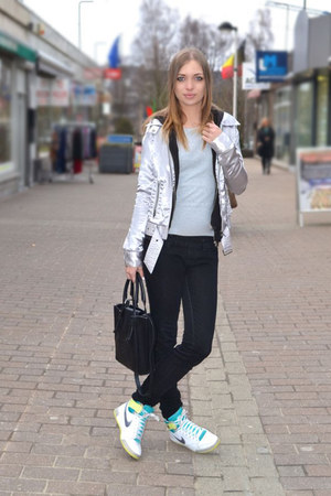 the Sting jacket - Zara bag - nike sneakers