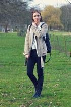 H&M jacket - Dr Martens boots - Zara jeans - h&m divided bag - Mango sweatshirt