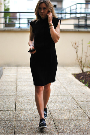 black & other stories dress