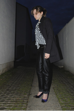 striped H&amp;M shirt - black leather like pants - navy velvet H&amp;M heels