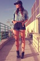 black Levis shorts - Mango shirt