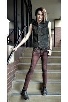 blue Outcast vest - red social collision jeans - black belt - silver Steve Madde