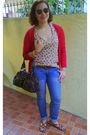 Brown-raybans-sunglasses-blue-bayo-jeans-brown-zara-top-red-topshop-cardig