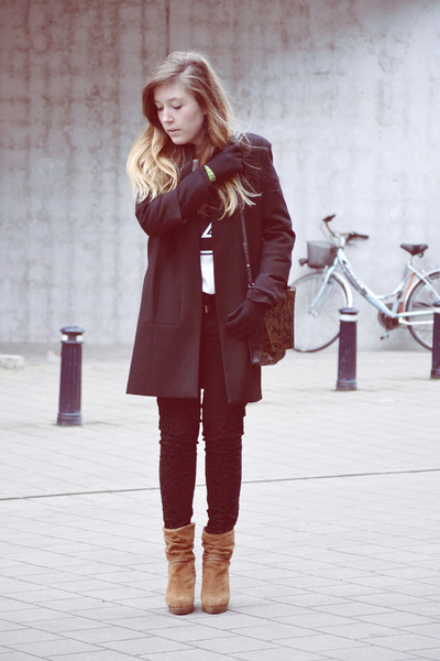 Zara coat - Zara bag - Zara pants - H&M gloves - Van Dalen wedges