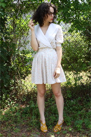white httpstoresebaycomTwitchVintage dress - gold Payless shoes