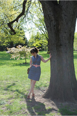 blue thrifted dress - pink thrifted belt - brown Ciao Bella shoes - brown thrift