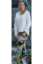 Steven Madden pumps - Ana sweater - Aldo bag